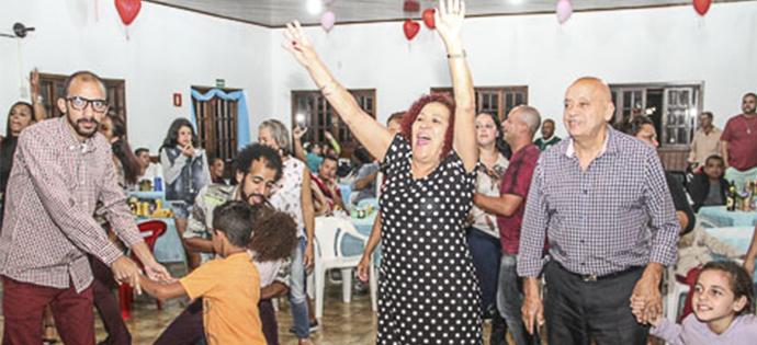 Mães foram homenageadas em grande baile