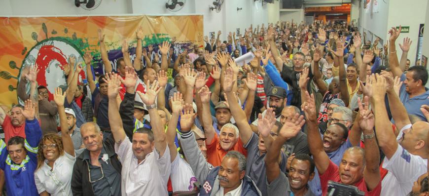 Trabalhadores aprovam proposta mediada no TRT e suspendem greve até o dia 17